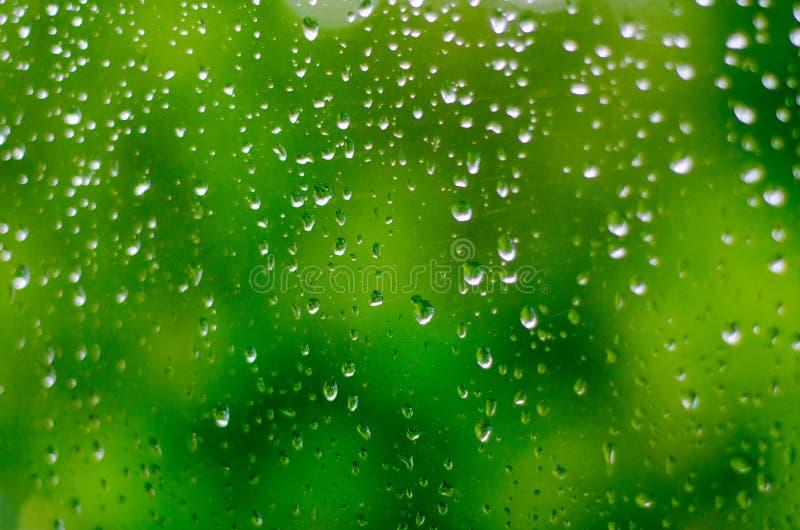 Gocce di acqua sul vetro immagini stock