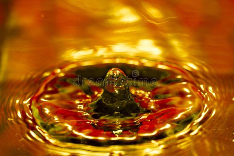 Download Goccia di acqua fotografia stock. Immagine di energia - 30826508