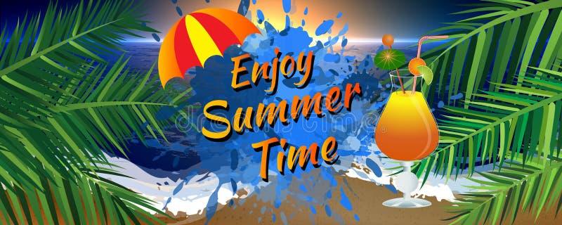 Goce de la bandera del tiempo de verano con el paraguas, las hojas de palma, y el vidrio de cóctel helado Puesta del sol en la pl stock de ilustración
