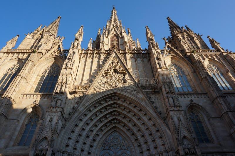 Gocka Barcelona katedra przy zmierzchem w Hiszpania zdjęcie stock