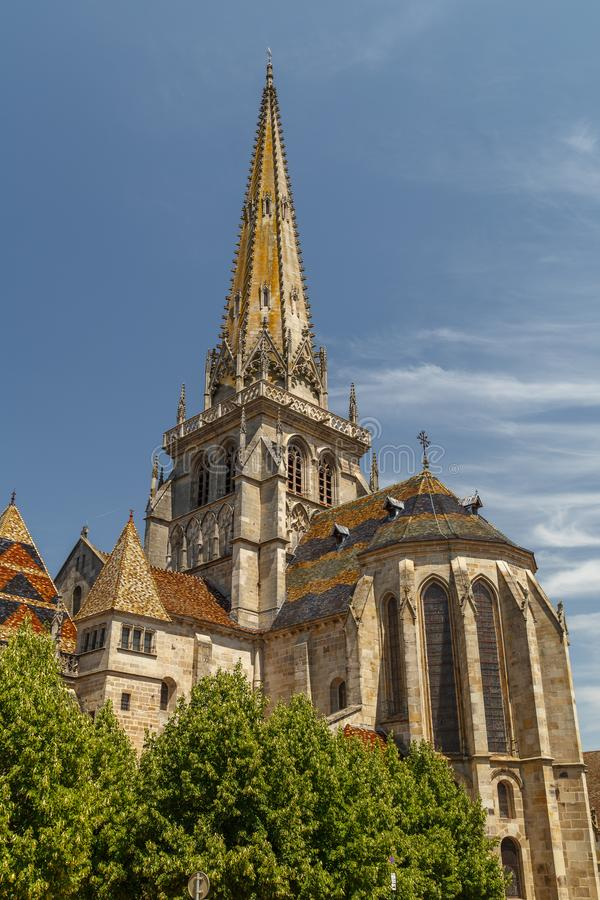 Gocka katedra w centre Autun ?redniowieczny miasteczko zdjęcia royalty free
