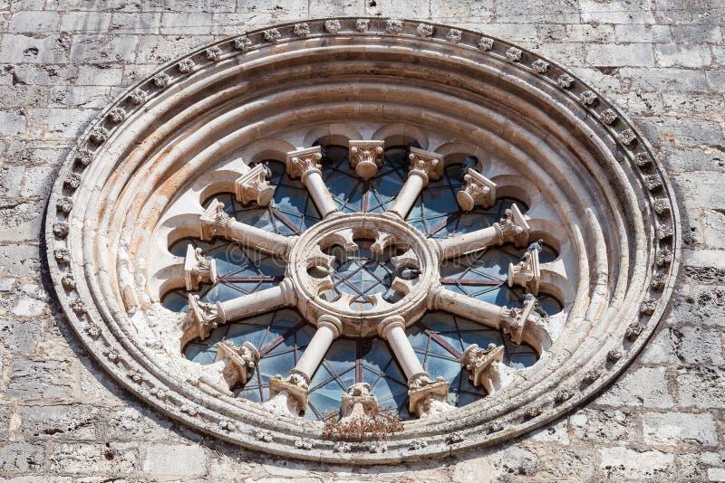 Gocki koła okno także dzwoniący jak Różanego okno lub Catherine okno w Santa Clara kościół zdjęcie royalty free