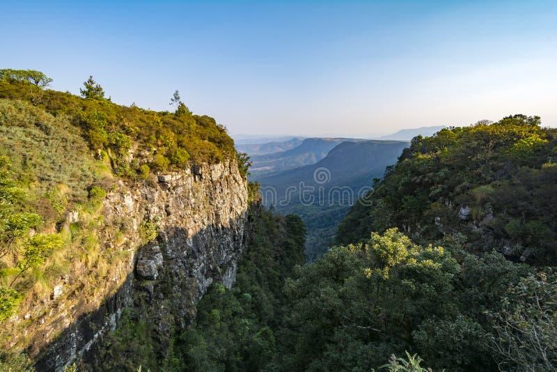 God& x27; s-fönster på en solig dag, Mpumalanga, Sydafrika royaltyfria bilder
