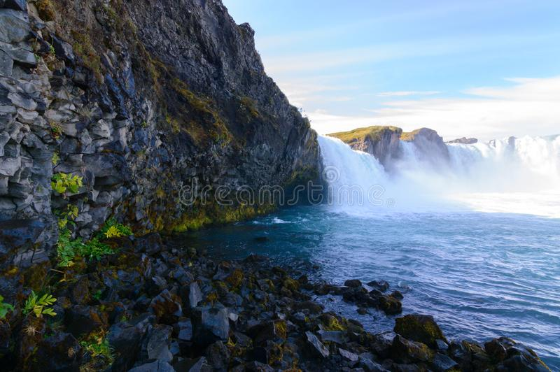 Godafoss瀑布秋天的北部冰岛 库存图片