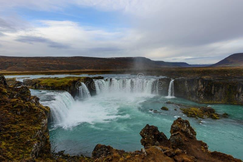 Godafoss, waterval van de goden, landschap in IJsland bij zonsopgang stock afbeelding