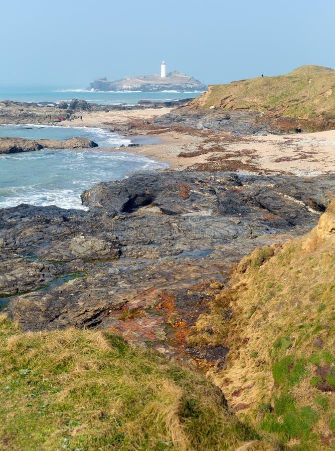 Godrevyvuurtoren en eilandst Ives Bay Cornwall kust stock afbeelding