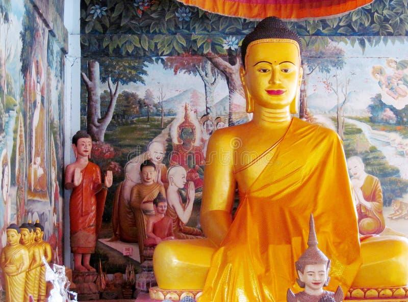 Godsdienstige Aziatische standbeelden in een tempel royalty-vrije stock foto