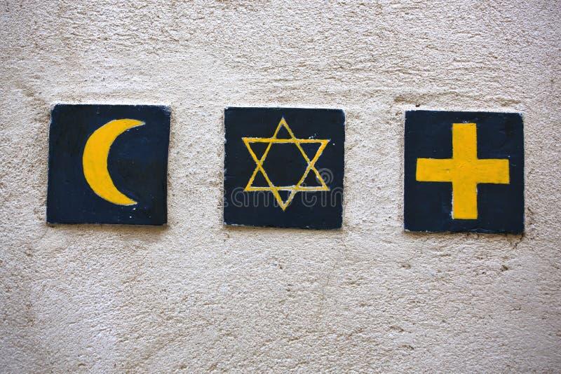 Godsdienstige symbolen: de ster van Islamitisch toenemend, Joods David, christelijk kruis stock afbeelding