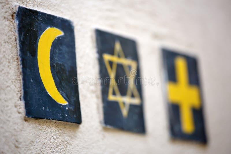 Godsdienstige symbolen: de ster van Islamitisch toenemend, Joods David, christelijk kruis royalty-vrije stock fotografie