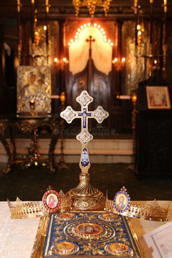 Godsdienstige voorwerpen voor huwelijksceremonie stock foto