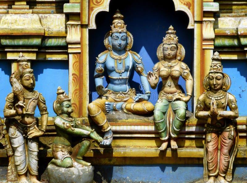 Godsstandbeelden bij Hindoese tempel royalty-vrije stock foto