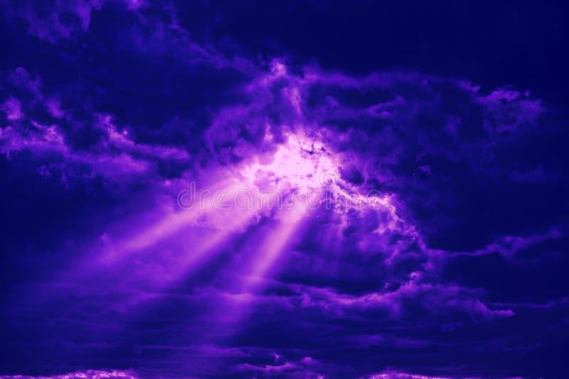 Godsstralen van licht stock fotografie