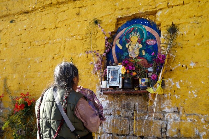 Godsvruchtige boeddhisten royalty-vrije stock fotografie