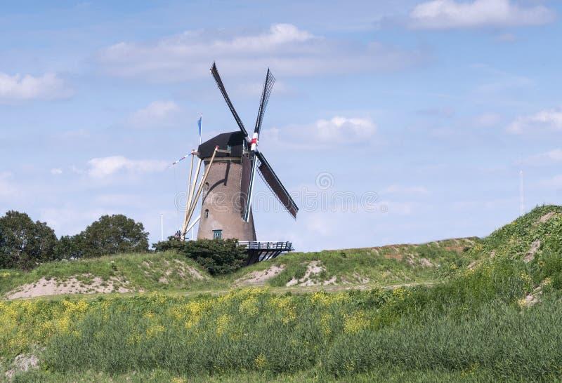 Download Goed Beslag För Väderkvarn De I Holland Arkivfoto - Bild av rotera, bygger: 37347834