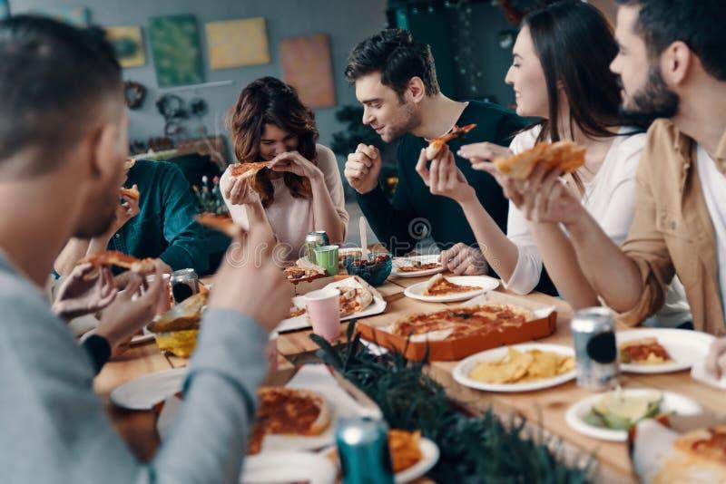 Goed voedsel en goede vrienden royalty-vrije stock afbeeldingen