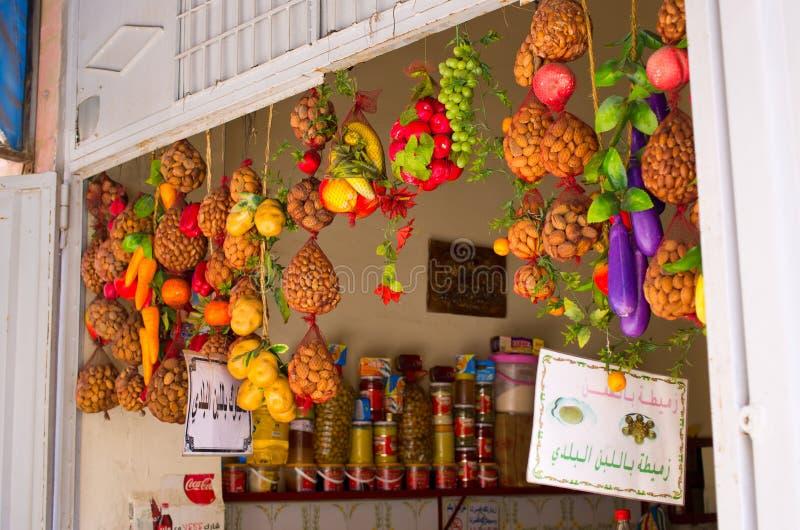 Goederen op de markt in Taroudant, Marokko stock foto