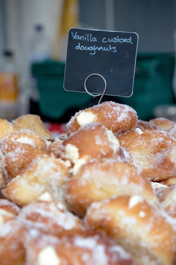 Goederen voor verkoop bij Farnham-Voedselfestival stock fotografie
