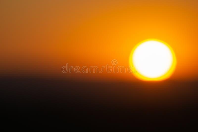 Goilden niebo jako słońce sety w Namibia obraz stock