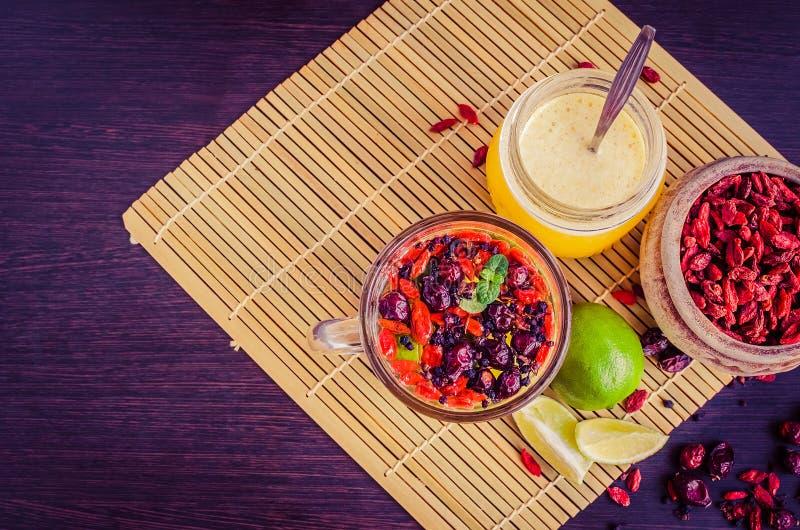 从goji莓果的新鲜的抗氧化清凉茶 免版税库存图片