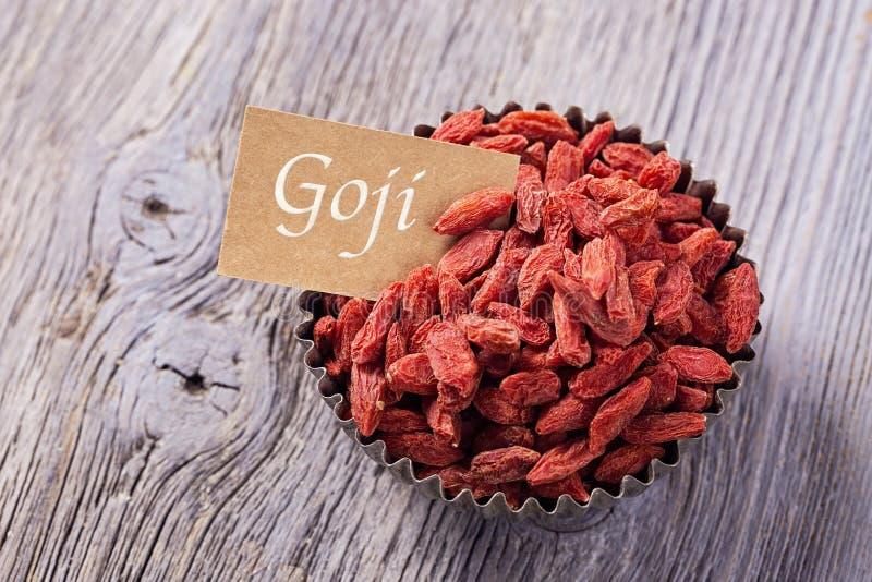 Goji-Beeren in einer Schüssel lizenzfreies stockfoto