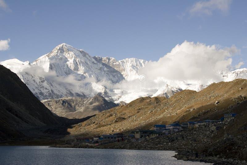 Gokyo en Cho Oyu - Nepal stock fotografie