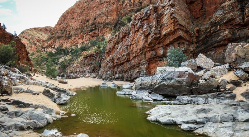 Gola nella gamma ad ovest di MacDonnell, Territorio del Nord, Australia di Ormiston, fotografie stock libere da diritti
