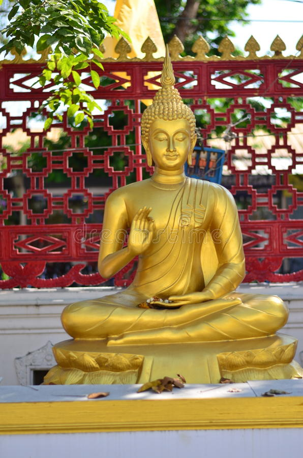 Gold Buddha statue royalty free stock photos