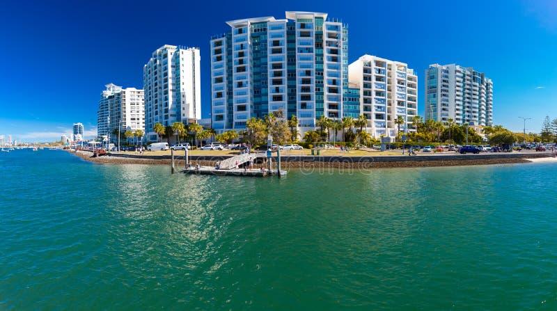 Gold Coast AUS - SEPT 04 2016 hyreshusar på kusten royaltyfri bild