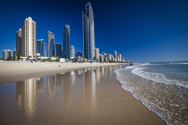 Gold Coast strand på surfareparadiset arkivbild