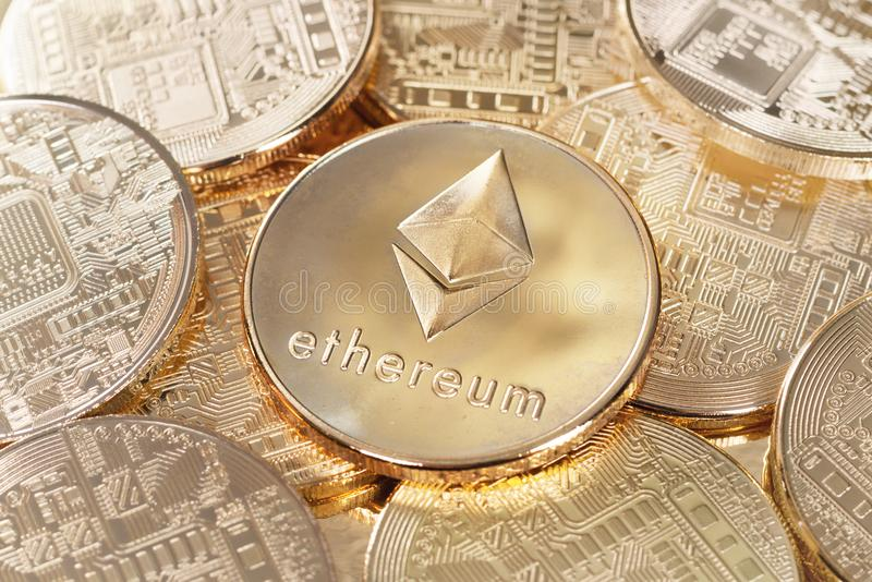 Gold-ethereum lizenzfreie stockfotografie