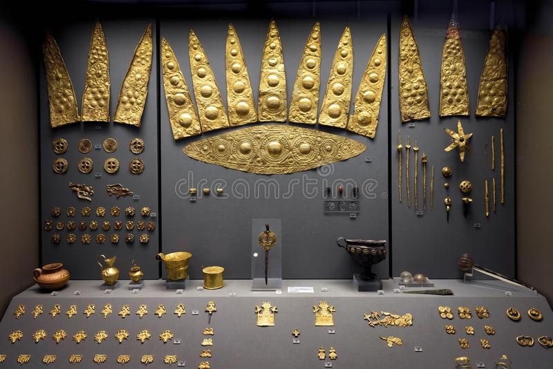 Gold jewelry from ancient Mycenae in the National Archaeological royalty free stock photography