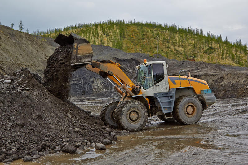 Download Gold Mining In Susuman. The Auto-loader Works Editorial Photography - Image: 62854642