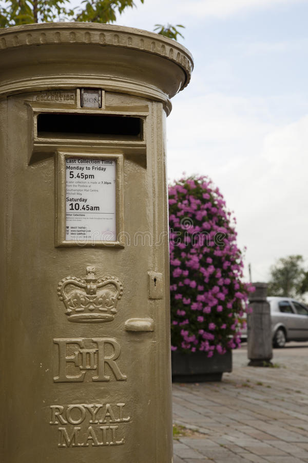 Download Gold Post Box editorial photo. Image of crown, letter - 26075391