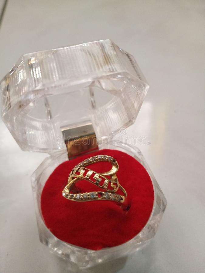 Beautifull box jewelery. Gold ring jewelry beautyfull box beautifull jewelery royalty free stock images