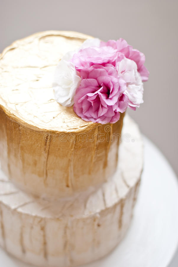 Gold and white wedding cake stock image image of setting cater download gold and white wedding cake stock image image of setting cater 62633985 mightylinksfo Image collections