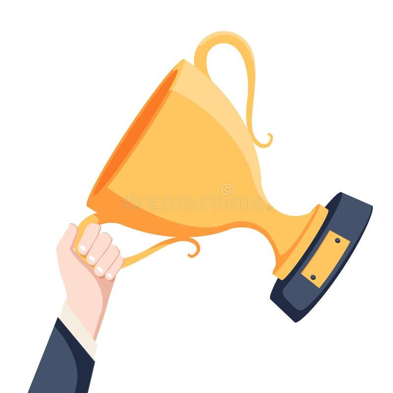 Goldcup in den Händen Hand, die Sieger ` s Trophäenpreis hält Unternehmensziel-Leistungskonzept Flache Illustration des Vektors lizenzfreie abbildung