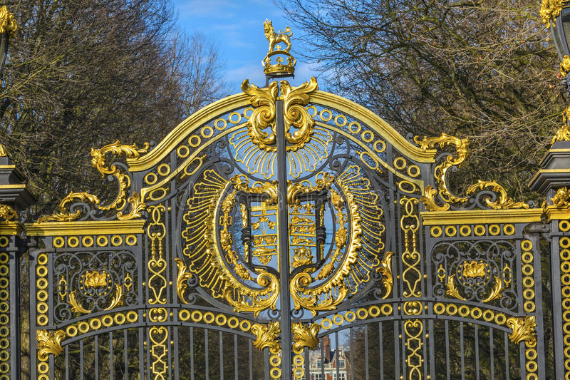 Golden Canada Maroto Gate Buckingham Palace London England. Created in 1901 as a memorial to Queen Victoria, who died in 1901 and is the entrance to Green Park stock image