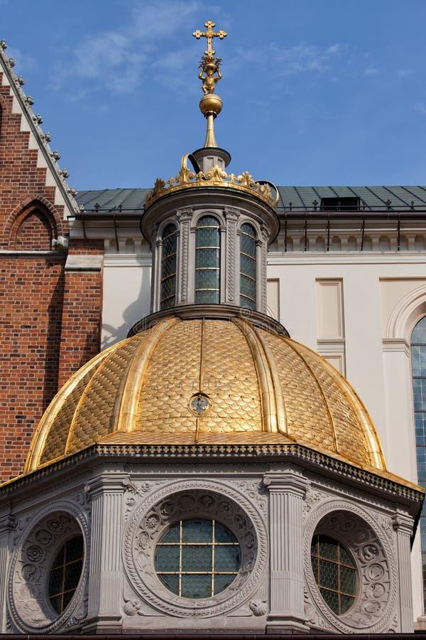 Golden Dome de cathédrale de Wawel à Cracovie image libre de droits