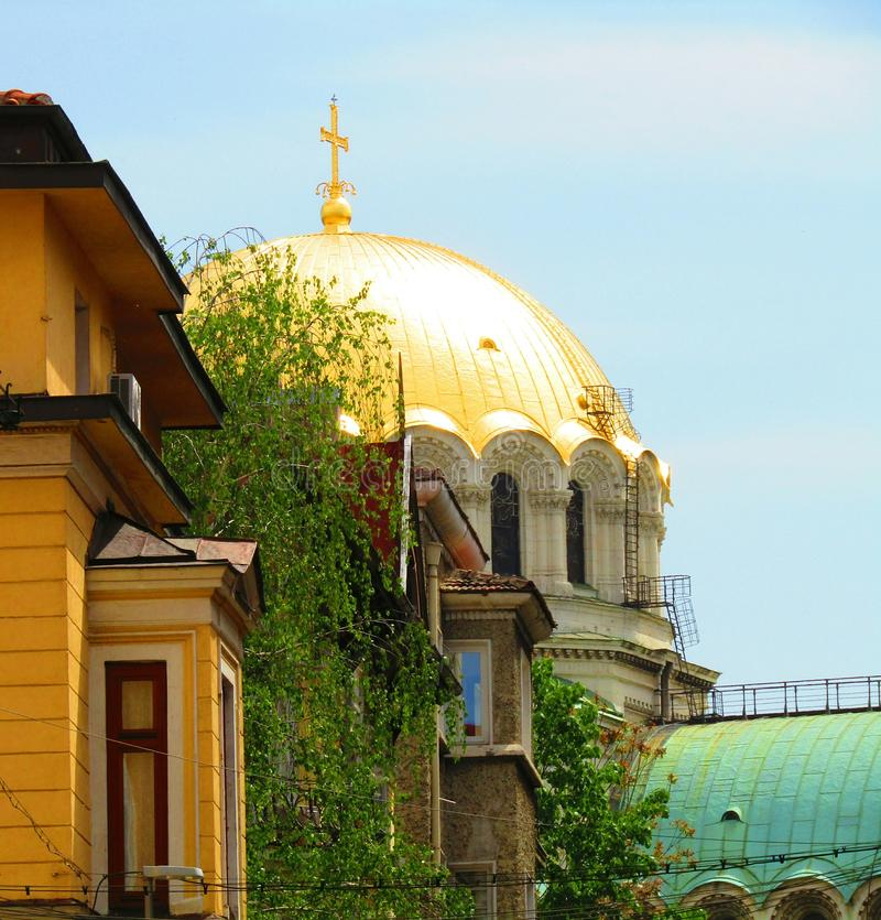 Golden Dome de St Alexander Nevski Cathedral imagem de stock