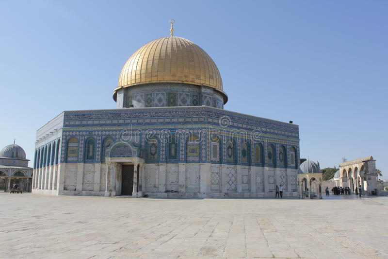 Golden Dome i tempelmonteringen i Jerusalem royaltyfria bilder