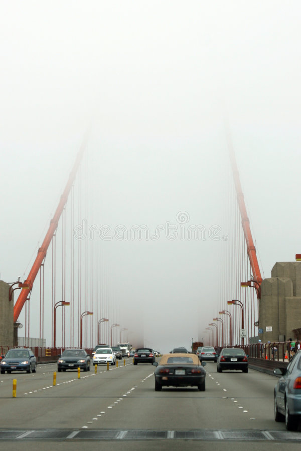Download Golden Gate stockfoto. Bild von kalifornien, fahrzeug, anziehung - 854664