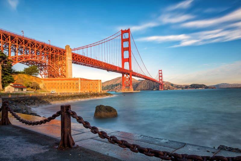 Golden gate bridge ad alba, San Francisco U.S.A. fotografia stock