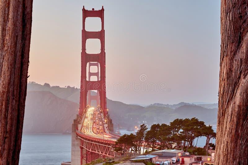 Golden gate bridge bei Sonnenuntergang, San Francisco, Kalifornien stockfotografie