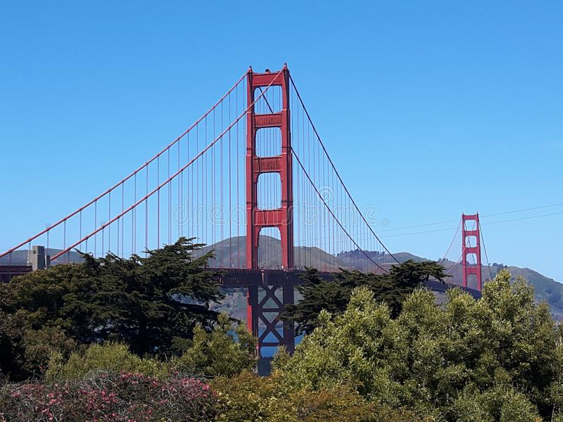 GOLDEN GATE BRIDGE glorioso situato a San Francisco, California, Stati Uniti d'America immagine stock libera da diritti