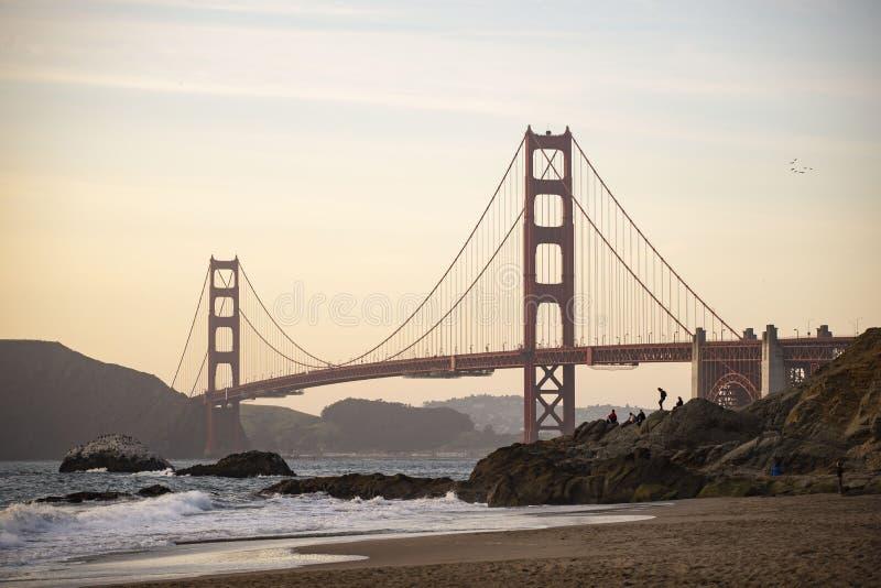 Golden Gate Bridge od piekarz pla?y, San Fransisco, Kalifornia zdjęcie royalty free