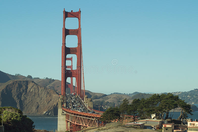 Golden gate bridge, San Francisco, EUA, vista da praia do padeiro foto de stock