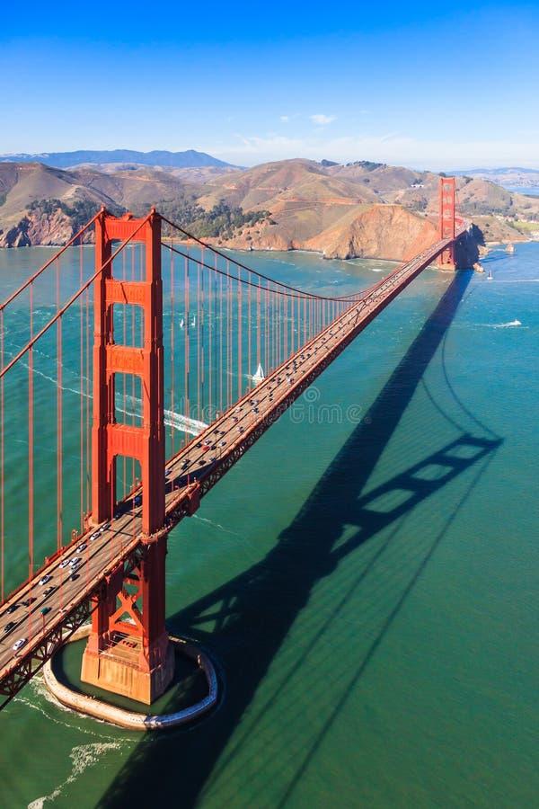 Golden gate bridge van hierboven royalty-vrije stock foto