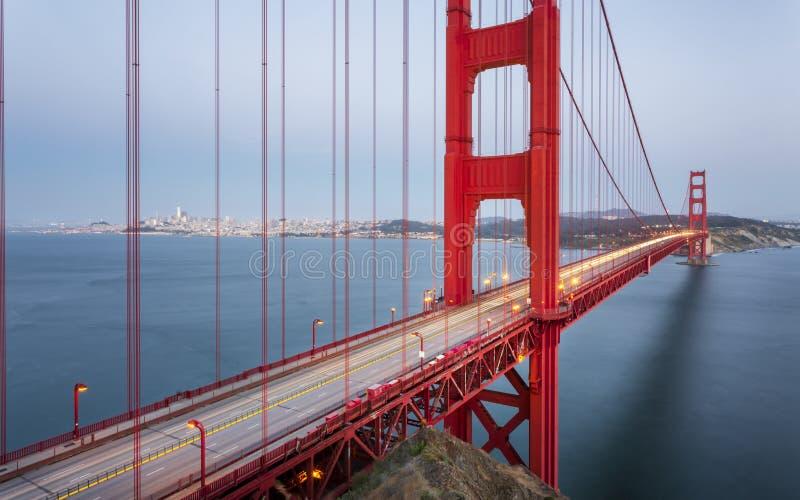 Golden gate bridge van Uitzichtpunt stock foto