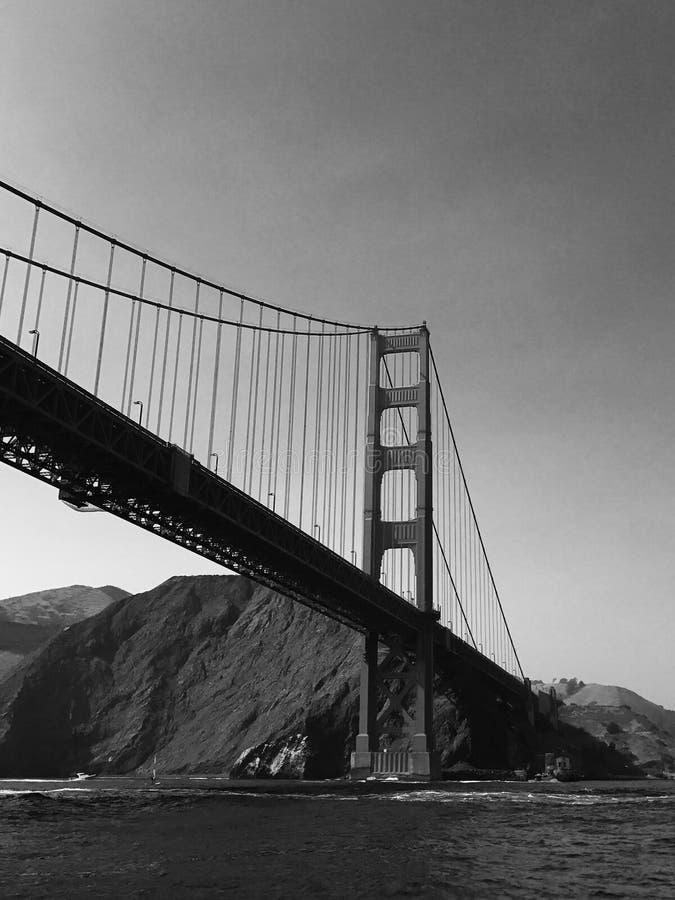 Golden Gate Bridge w Czarny I Biały fotografia royalty free