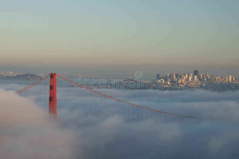 Golden Gate Bridge w mgle obrazy stock